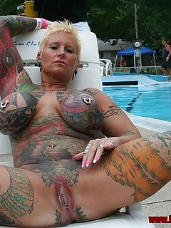 DEANN: Tattoo women on his pussy