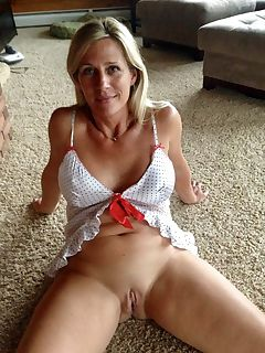 Milf s with shaved pussy gallery